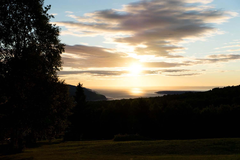 Sur la route des Bergeronnes, lever de soleil