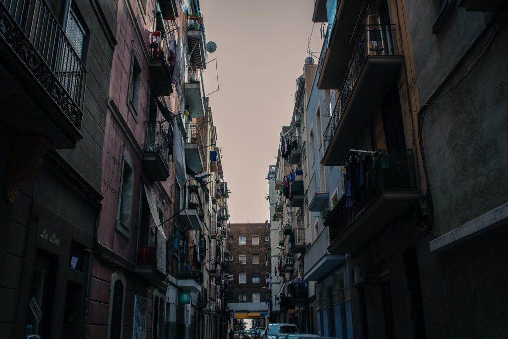 Une ruelle de Barcelone, Côté Hublot