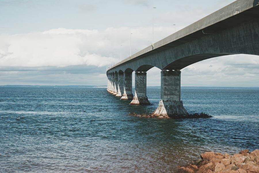 Le Pont de la Confédération pour arriver sur l'Île du Prince Édouard, Côté Hublot