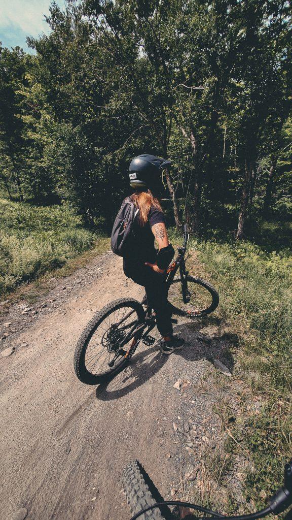 Sur les pistes de vélos de montagne de Bromont