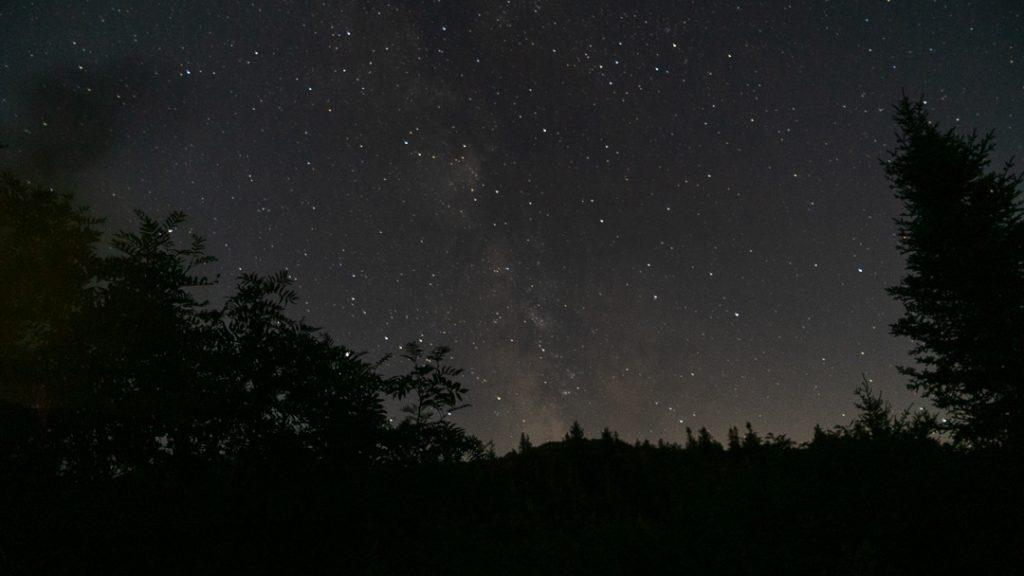 Le ciel étoilé sans perséides au Mont-Ham, par Côté Hublot